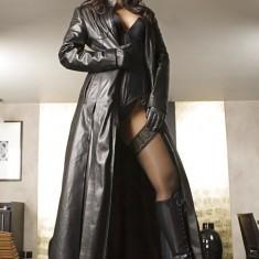 Maitresse fetish cherche soumis aimant culottes odorantes